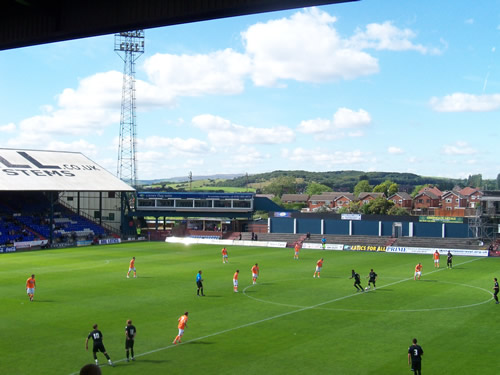 Oldham Athletic 2 - 1 Blackpool